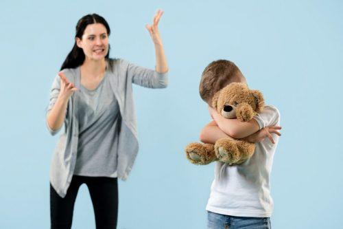 De ce gresim ca parinti si cum putem schimba acest lucru